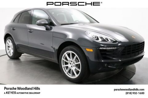Certified Pre-Owned 2018 Porsche Macan Base